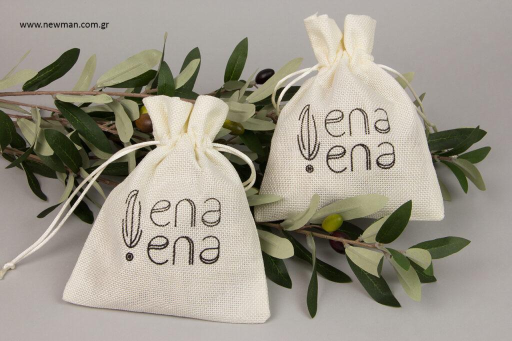 ena ena by Hellenic Fields: Υφασμάτινα πουγκιά NewMan χονδρική με εκτύπωση λογότυπου.
