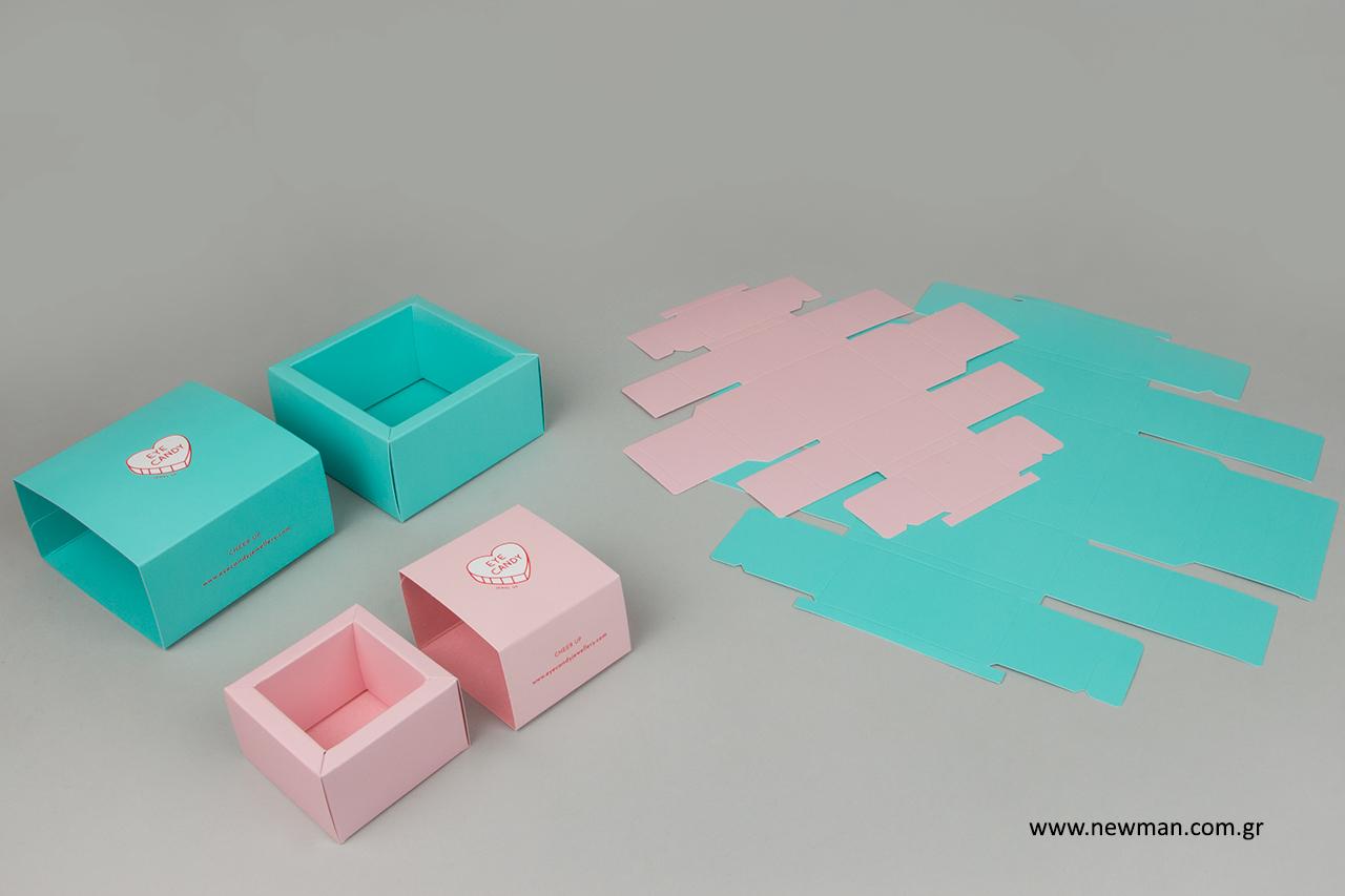 Επώνυμα κουτιά με τύπωμα ειδικών προδιαγραφών.