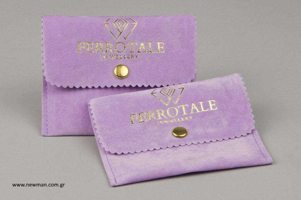 Ferrotale jewellery: Χρυσοτυπία σε σουέτ πουγκιά για κοσμήματα.