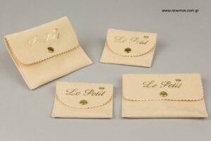 Le petit: Τυπωμένες ποσέτες με εταιρική επωνυμία.