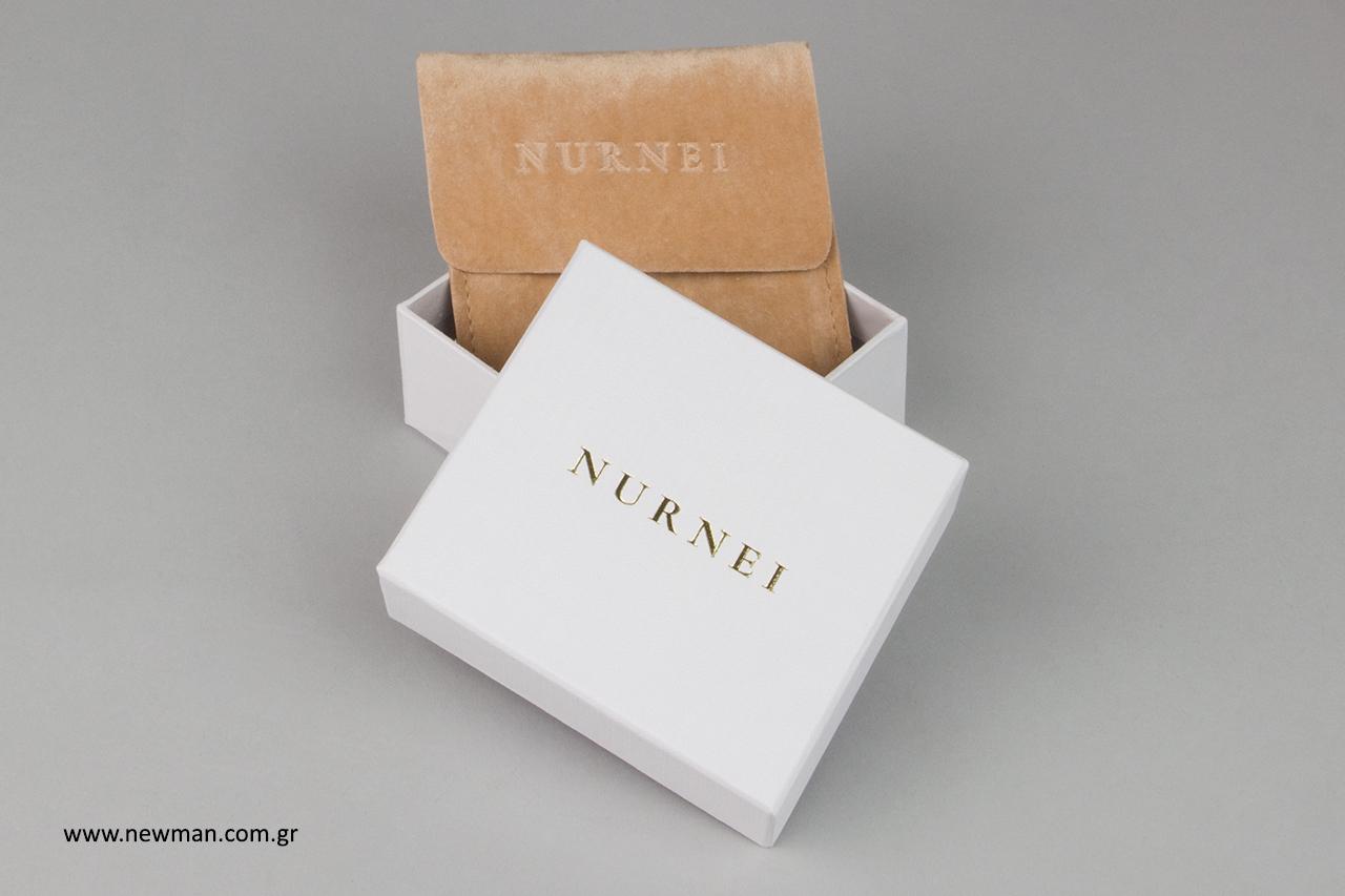 Τυπωμένα είδη συσκευασίας για κόσμημα από την εταιρεία Newman.