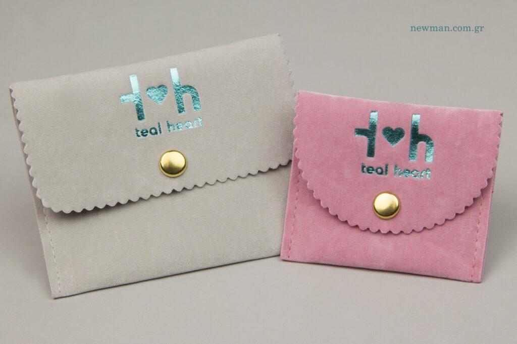 Teal Heart: Τυπωμένα είδη συσκευασίας για χειροποίητα κοσμήματα.